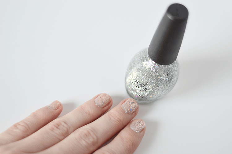 Nicole by OPI Guys & Galaxies - such a pretty glitter polish. Perfect for adding to the tips of your nails for a glittery finish on your mani! #nails #beauty