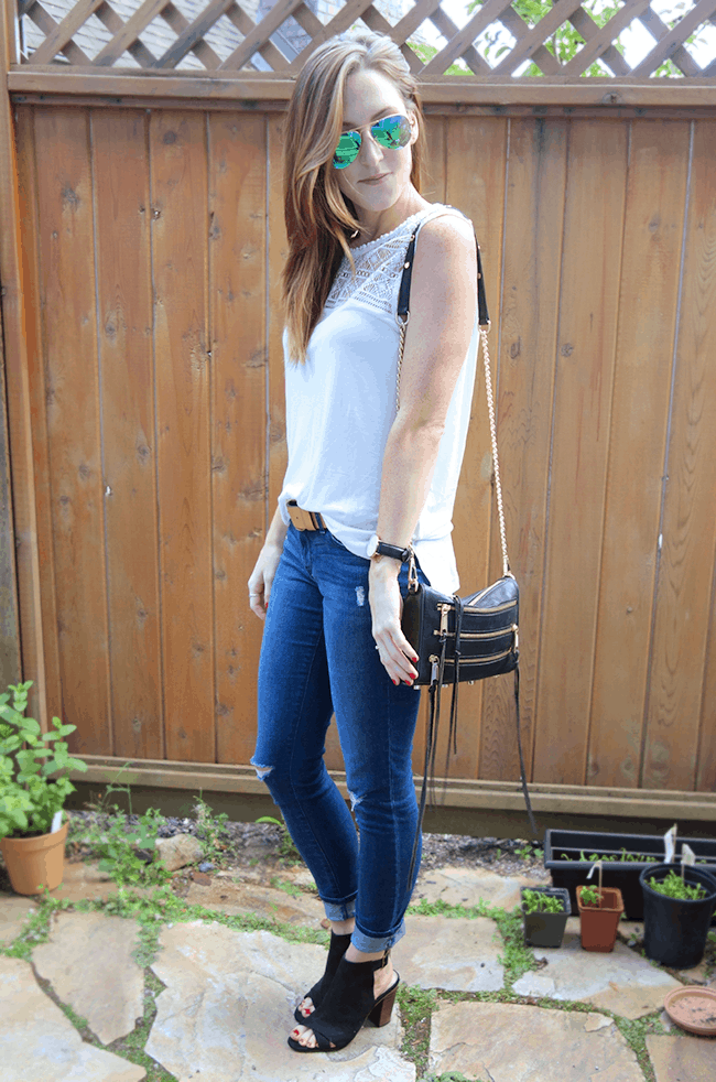 love this cute & casual dinner outfit! | oliveandivyblog.com