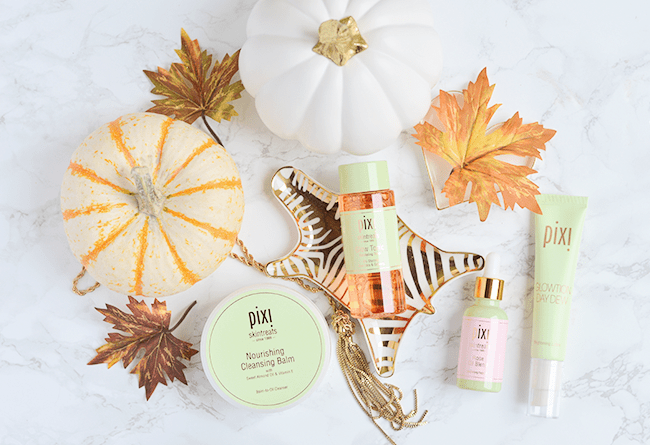 You will FALL IN LOVE with these products! The best of Pixi Skintreats skincare | oliveandivyblog.com
