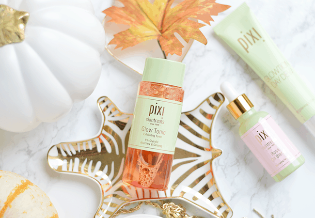 Pixi Skintreats Glow Tonic is a must-have exfoliating toner in your regimen! | oliveandivyblog.com