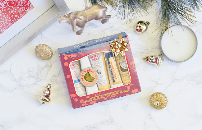 Give the gift of nature with Burt's Bees! ad | oliveandivyblog.com