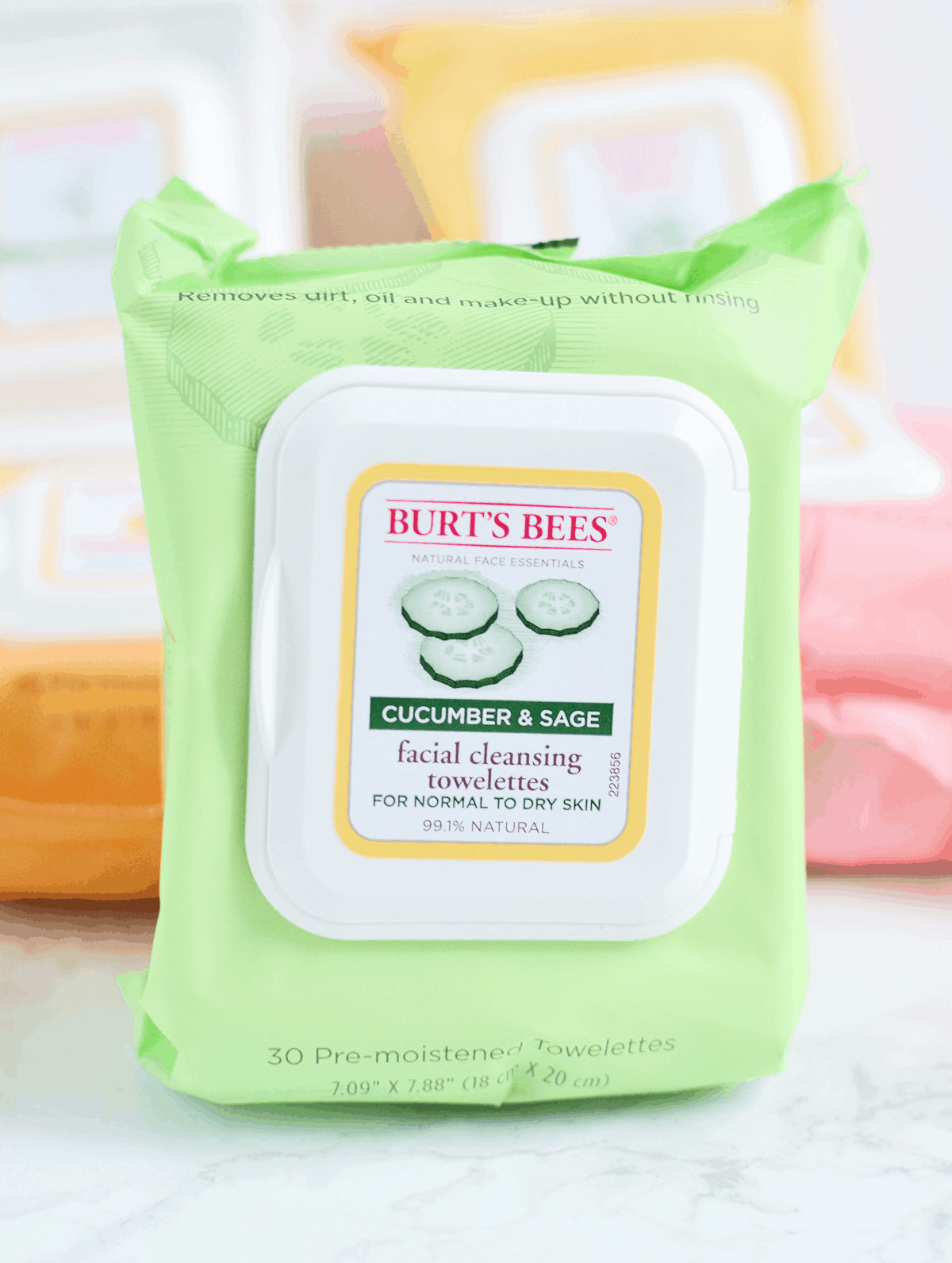 Burt's Bees Facial Wipes in Cucumber & Sage are perfect for normal to dry skin types! #NaturesSolutions AD | oliveandivyblog.com