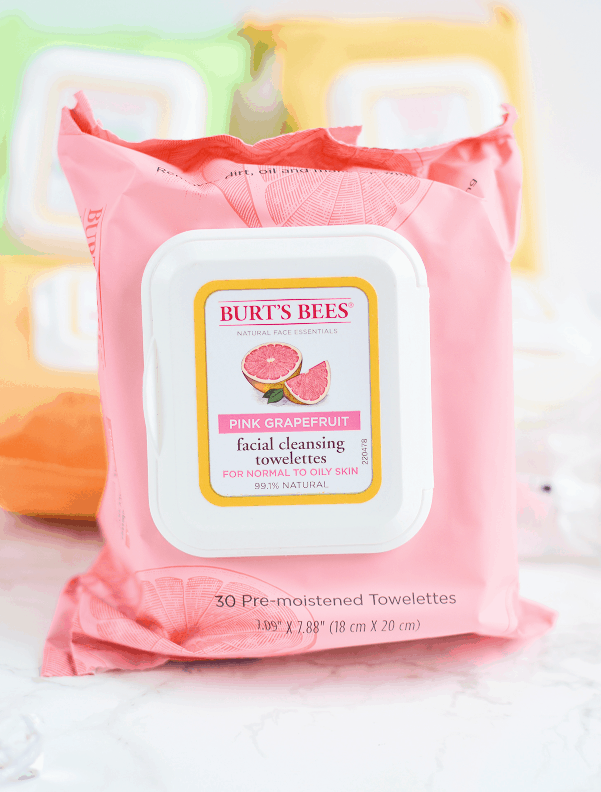 Burt's Bees Pink Grapefruit Facial Wipes are perfect for oily skin! #NaturesSolutions AD | oliveandivyblog.com