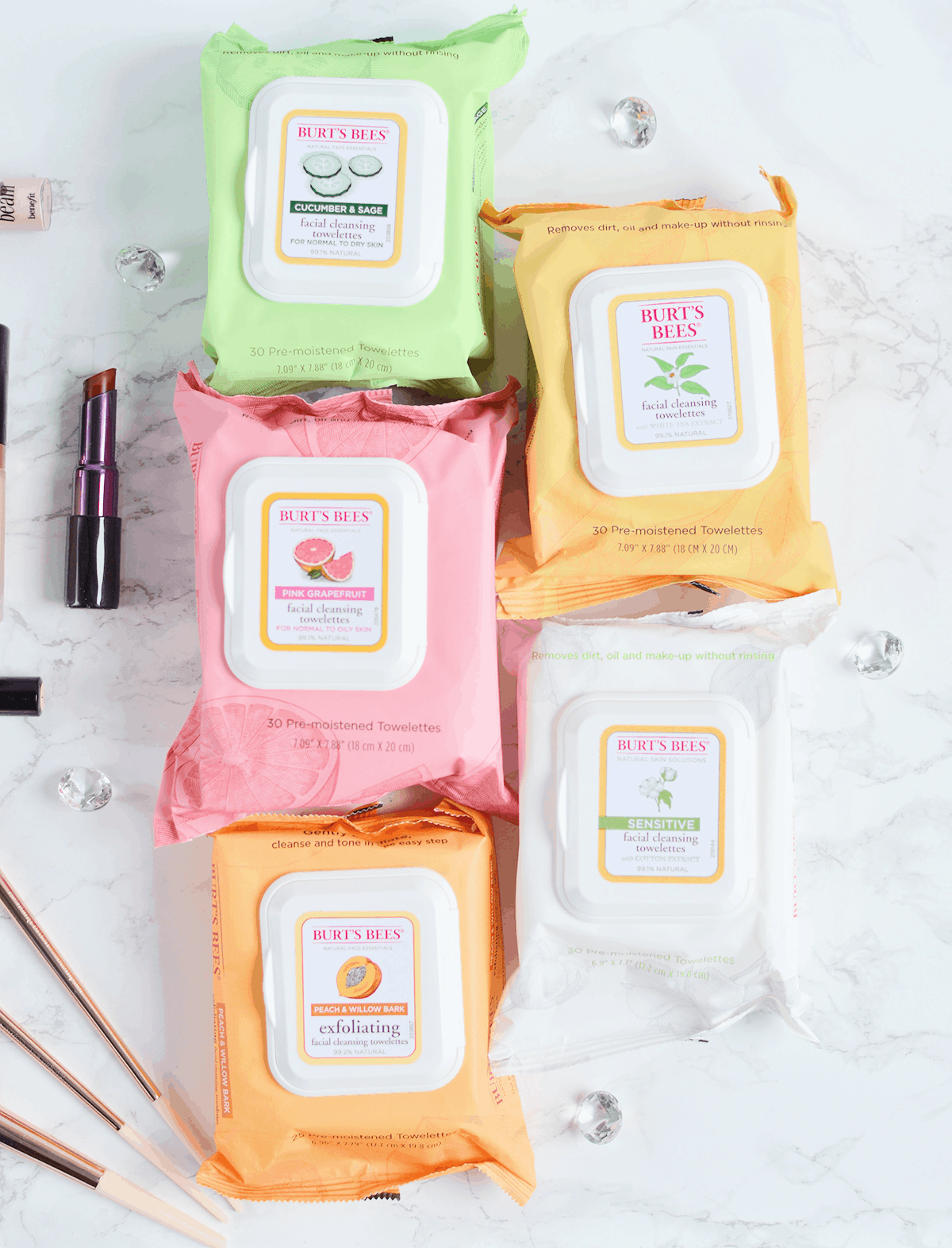 Burt's Bees has amazing facial wipes for all skin types! #NaturesSolutions AD | oliveandivyblog.com