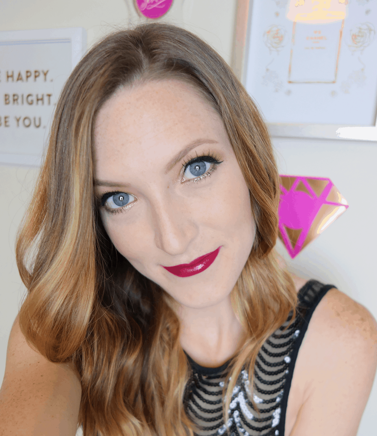 Get all dolled up with this glam Valentine's Day makeup look! | oliveandivyblog.com