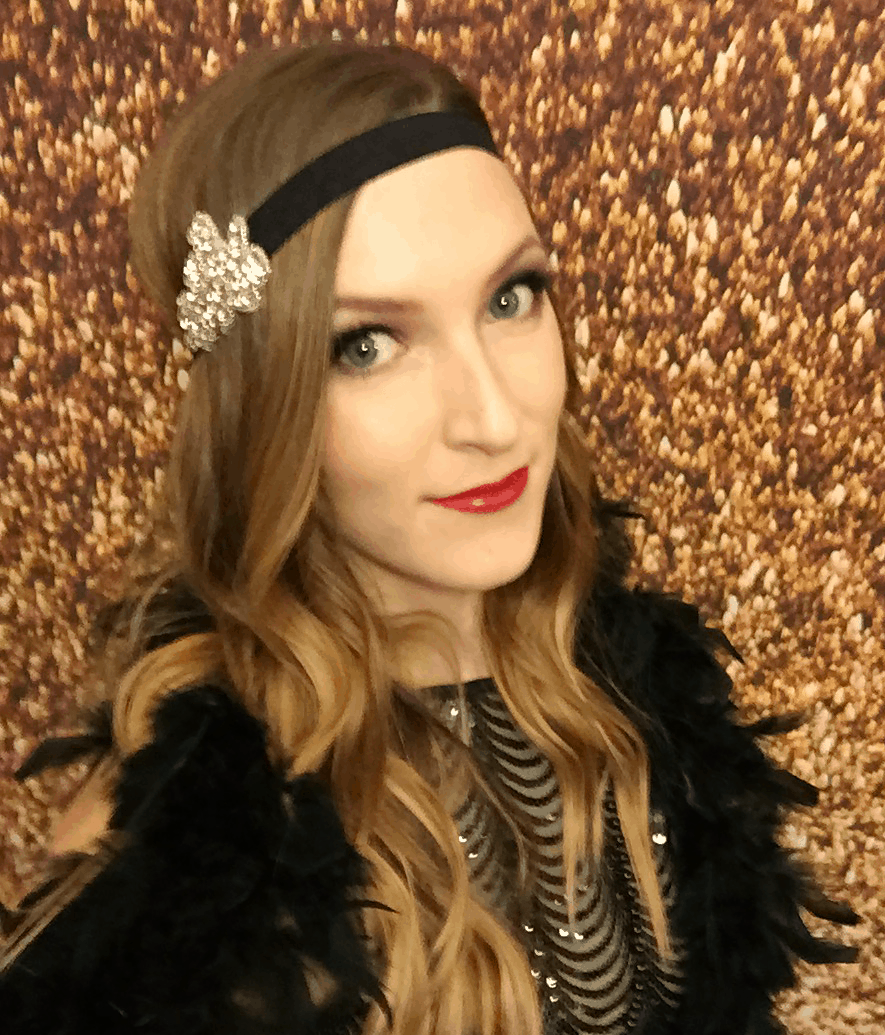 Easy 1920's Great Gatsby hair tutorial AD | oliveandivyblog.com