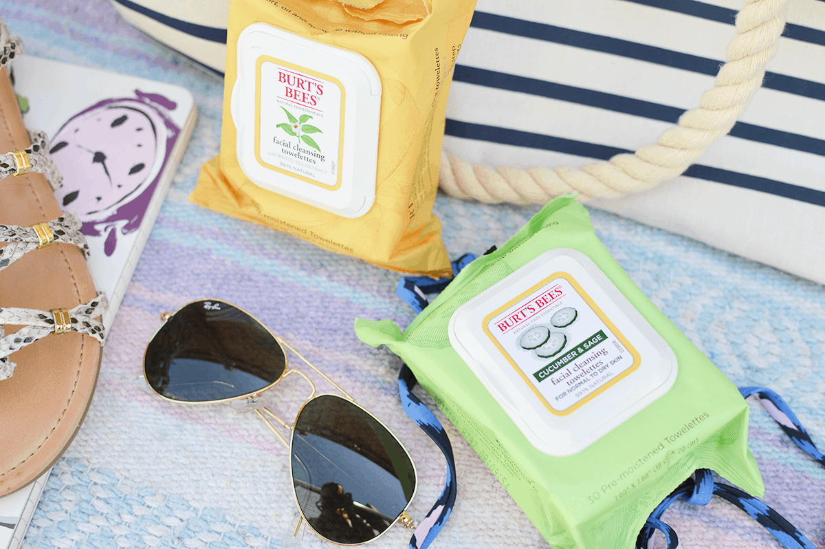 Bring on the beach days! Check out these beach bag essentials. | oliveandivyblog.com