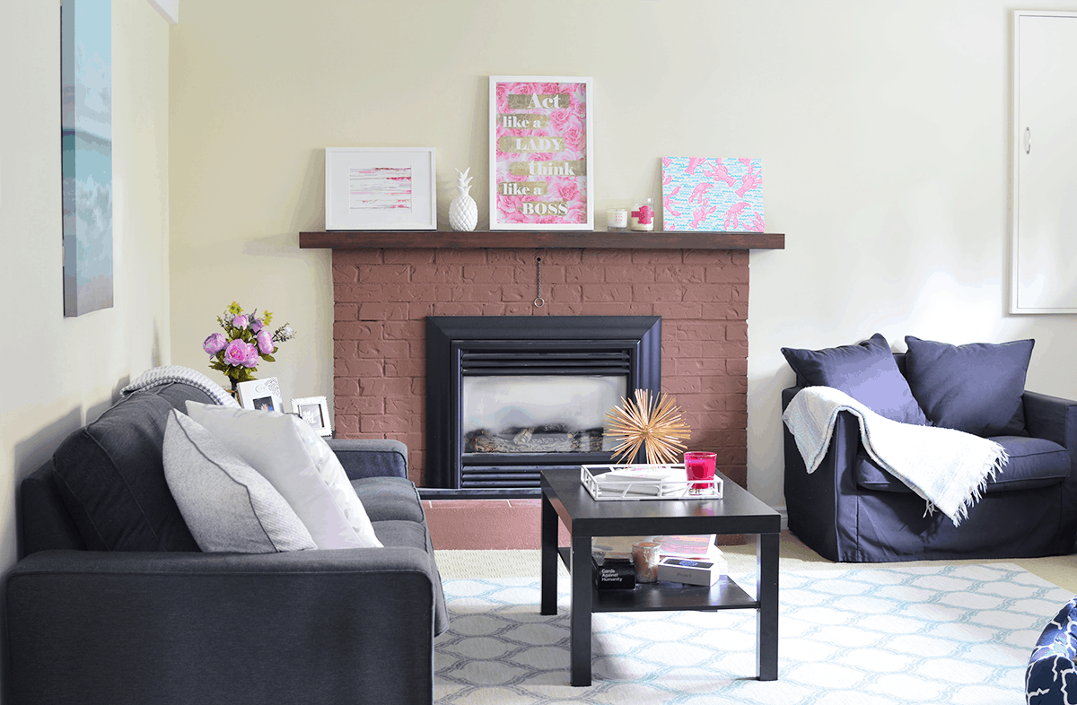 How to decorate a rental living room | oliveandivyblog.com