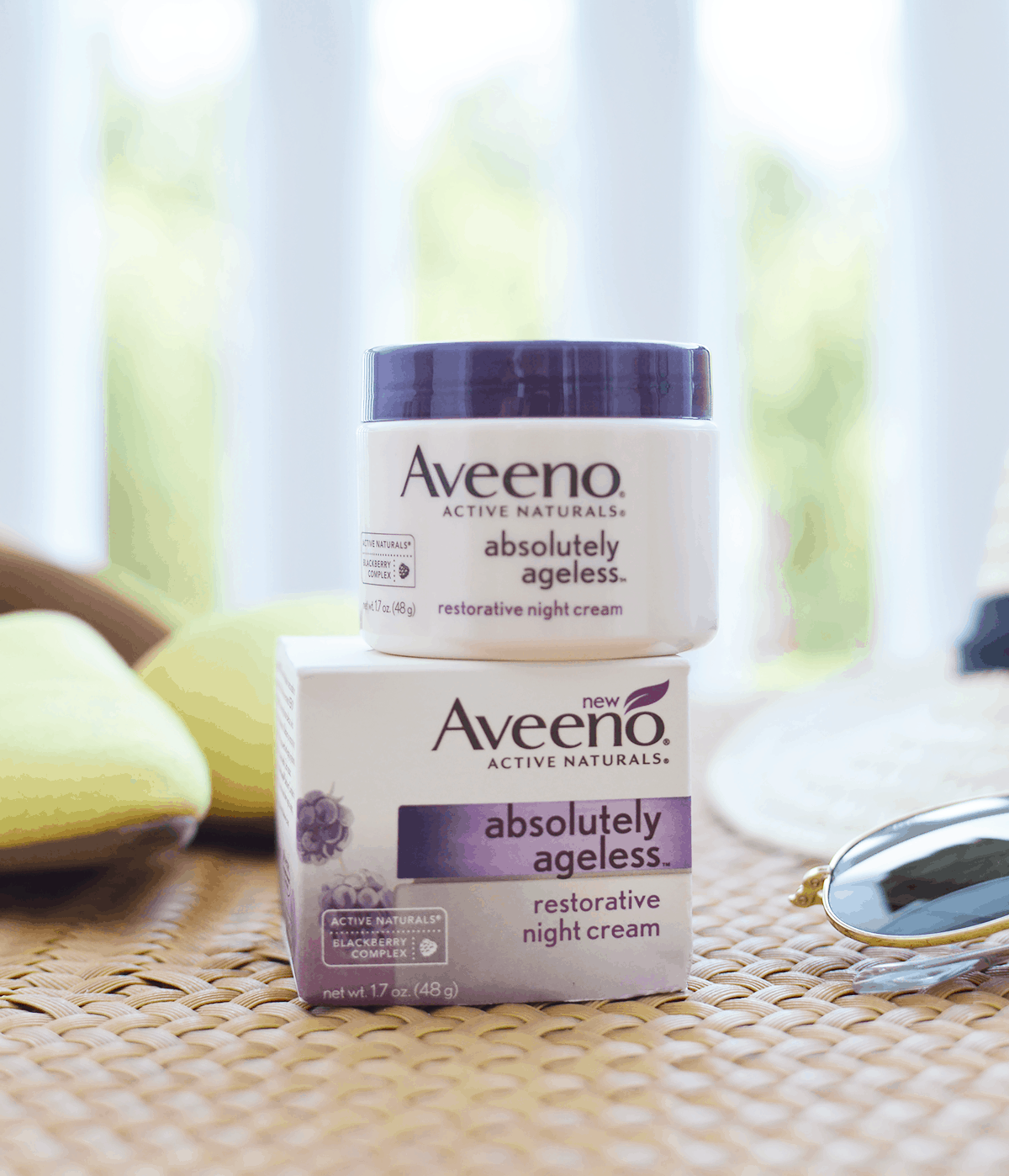 Keep your skin looking young and glowing with Aveeno Absolutely Ageless Restorative Night Cream | oliveandivyblog.com