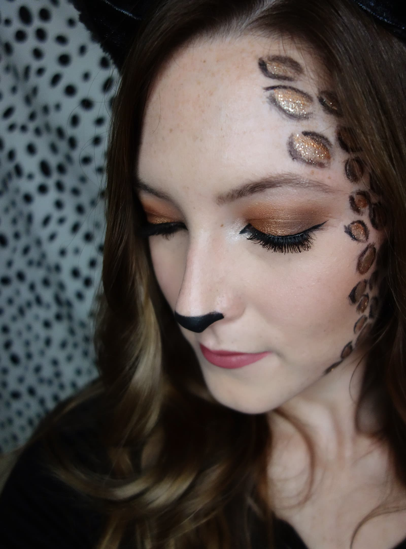 Last-Minute Glam Cat Halloween Makeup